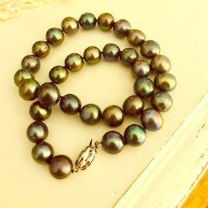 Authentic Tahitian peacock green pearl necklace